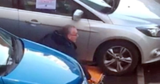 PAY-SF-Gerry-Kelly-Clamped-1_Lewis